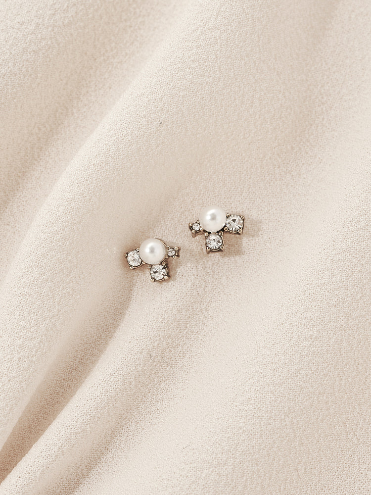 Asha Stud Earrings