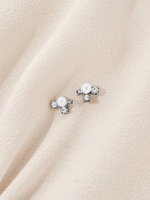 olive + piper Petit Asha Pearl Stud Earrings
