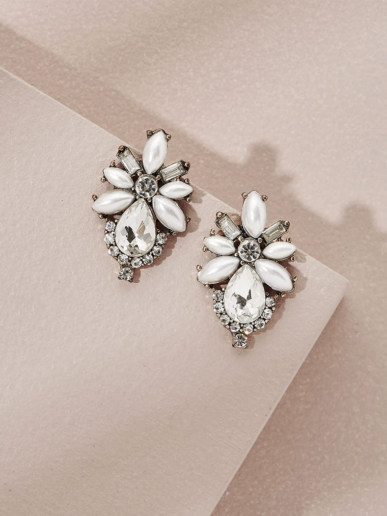 olive + piper Pearl Floret Stud Earrings