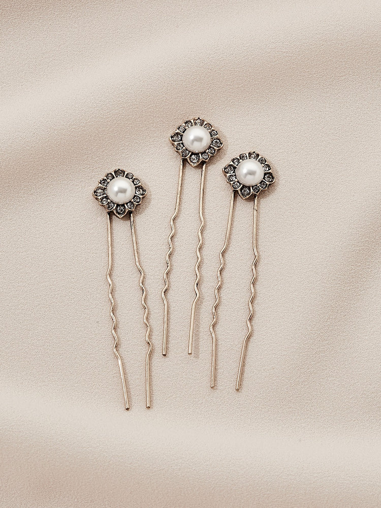 olive + piper Daisy Hair Pins