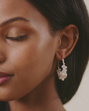 Load and play video in Gallery viewer, olive + piper Cruz Freshwater Pearl Hoops