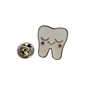 "Pin ""Shy Tooth"""