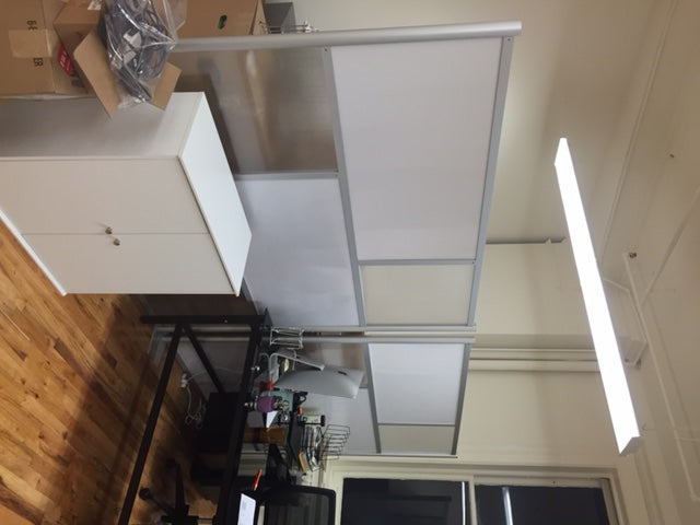 Room partition to divide loft workspace