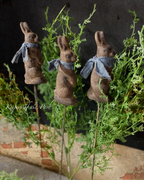 Primitive Chocolate Bunny Plant Poke set/2