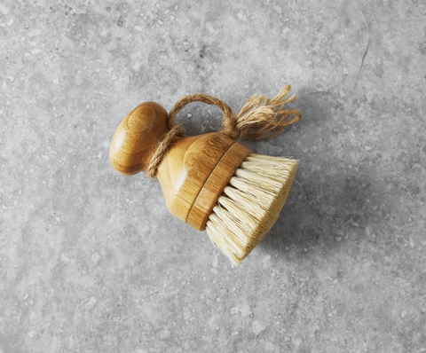 Bamboo short handle dish brush