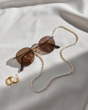 Load image into Gallery viewer, Pearl Sunglasses Chain