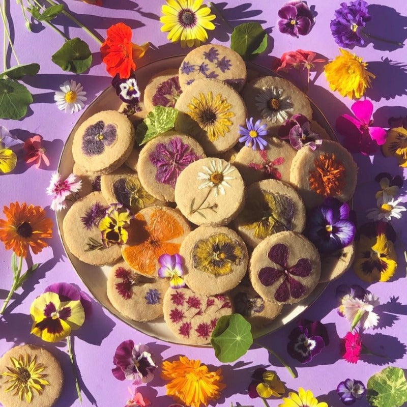 Vegan + Paleo Flower Cookies (made with almonds)