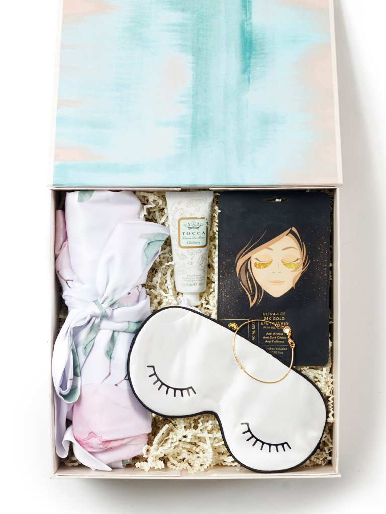 Pamper / White Blossom Gift Box