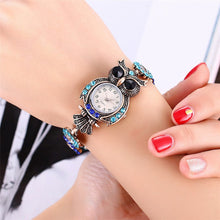 Load image into Gallery viewer, Vintage Rhinestone Quartz Watch