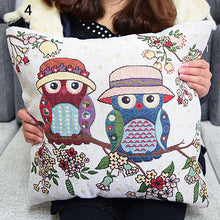Load image into Gallery viewer, Clever Owls Cushion Cover