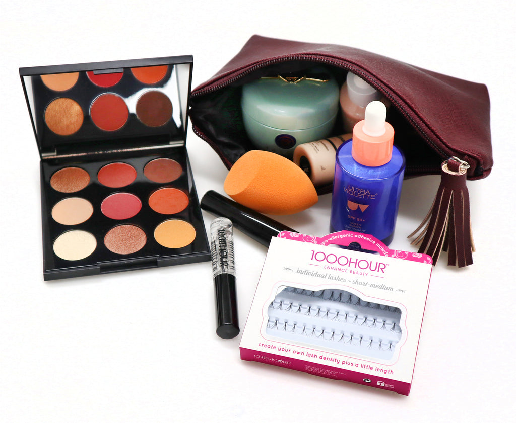 Blog - Inside my makeup bag