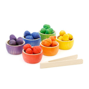 Grapat bowls and acorns sorting set