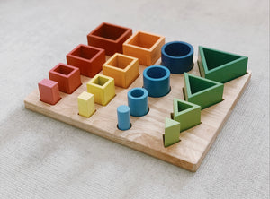 Wooden sorting and nesting puzzle