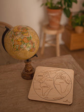 Load image into Gallery viewer, Stuka Puka the earth is round wooden puzzle