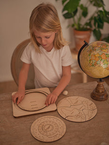 Stuka Puka the earth is round wooden puzzle