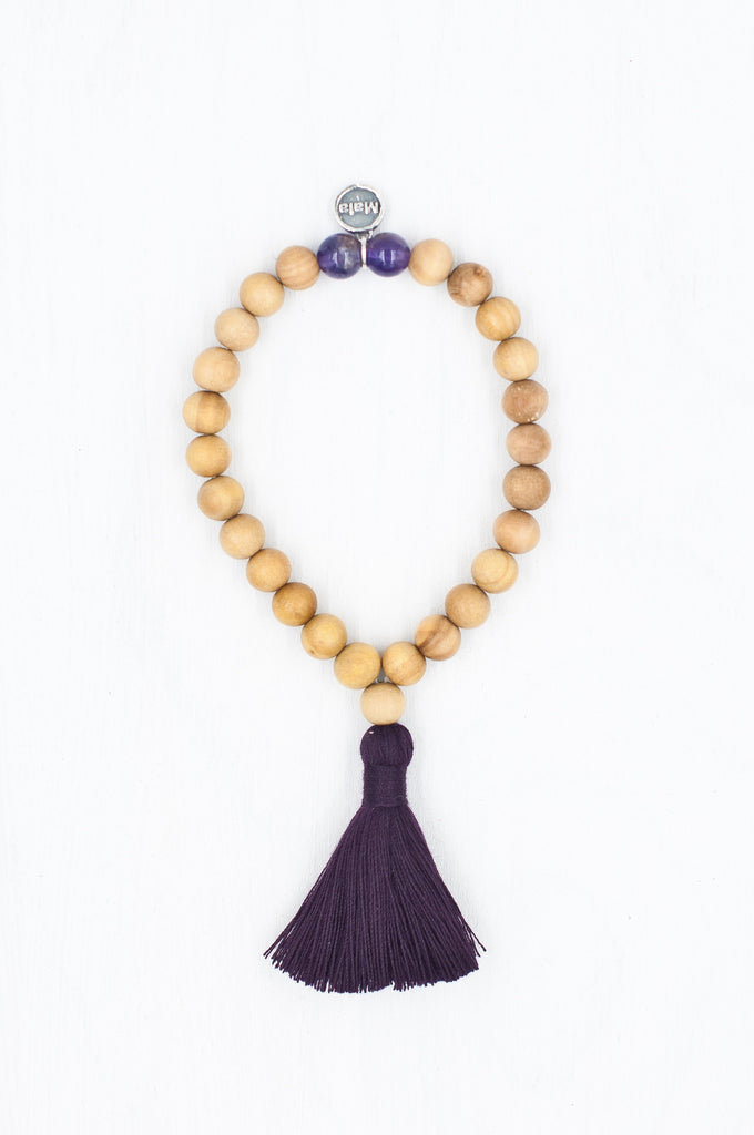 Enhance your practise with the Meditate Bracelet, and allow yourself to travel the path of enlightenment.
