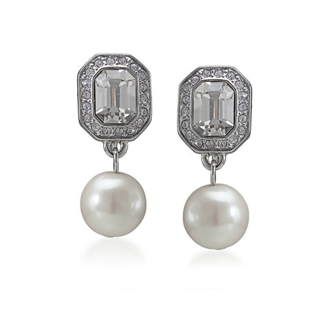 Pearl drop cline on earrings