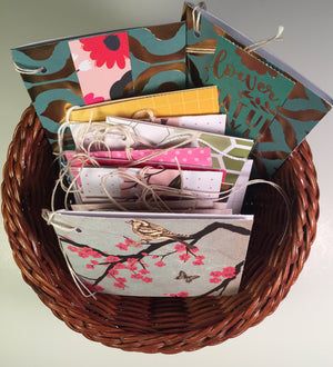 Gift Tags: Fold-over tag basket