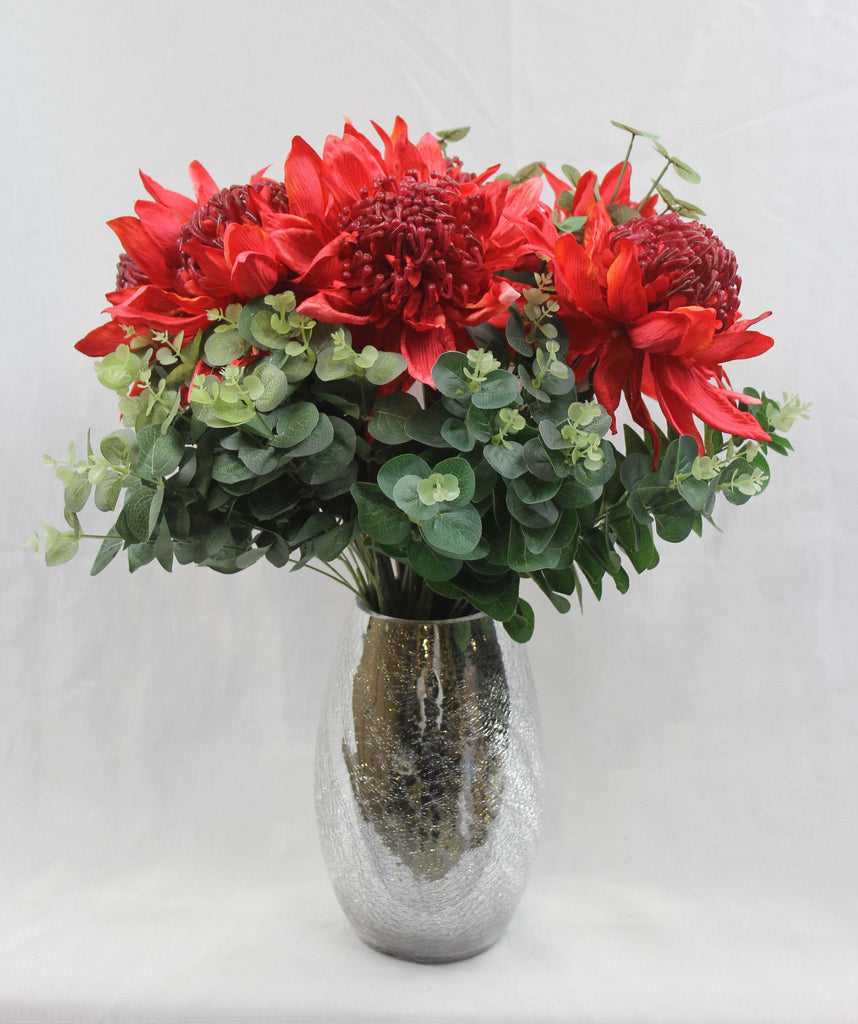 Large Red Waratah (without leaves) 5281