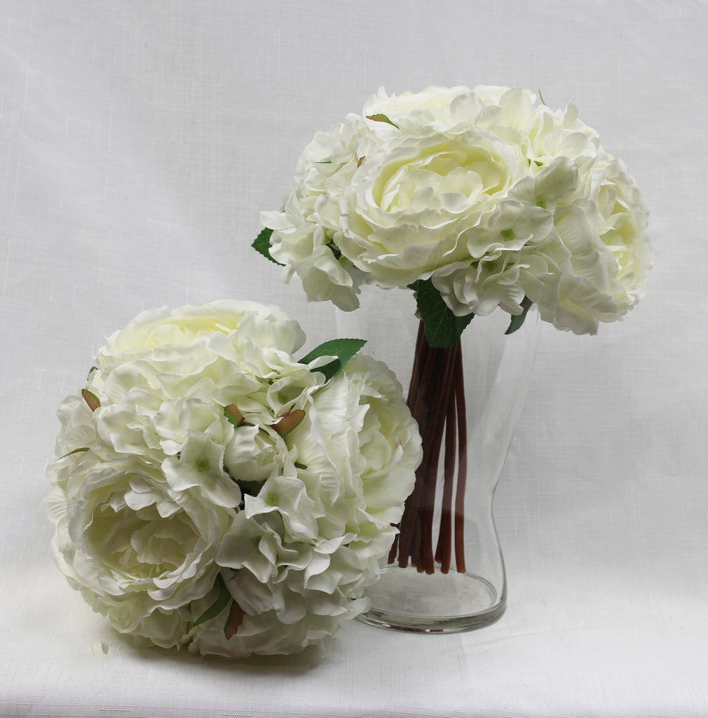 Ivory Mixed Posy 5158