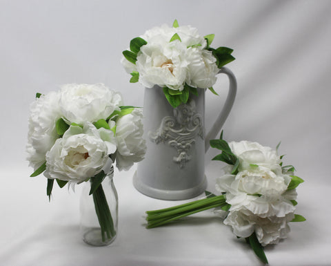 Large Off-white Rose Posy