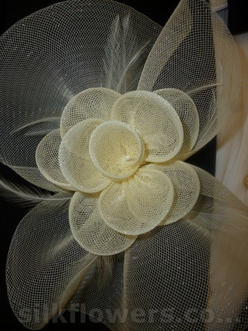 Fascinator feathered cream 1749