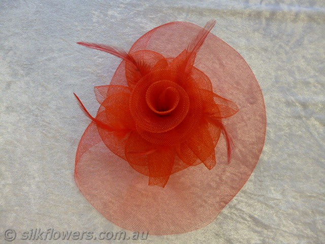Fascinator feather spiral red 22cm comb 1895