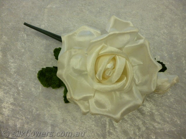 Rose satin off white 14cm 1933