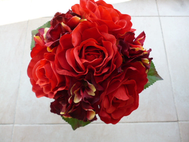 Red and Burgundy Mixed Posy 5155