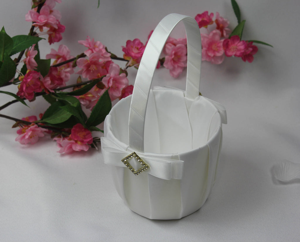 White flower girl basket with diamond 4117