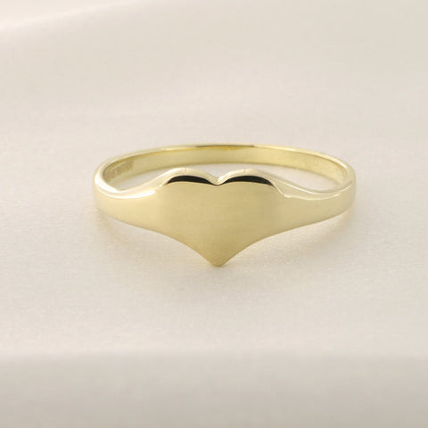 14k Yellow Gold Heart Signet Ring, size 5