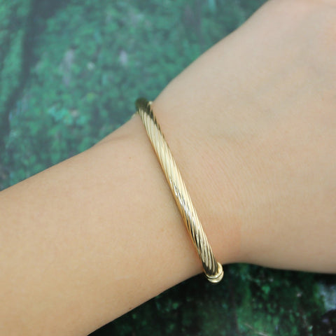 14k Yellow Gold 5mm Cable Textured Bangle Bracelet, 7""