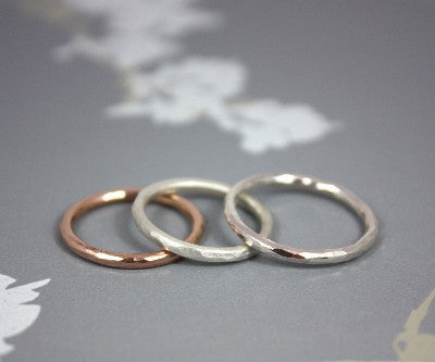 Hammered Dainty ring in 9ct rose gold