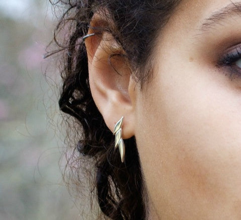 Swoosh drop earrings