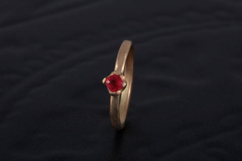 9ct Red gold ring with antique Burmese Pink Sapphire