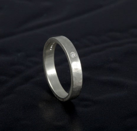 Hammered Flat Ring with Diamond