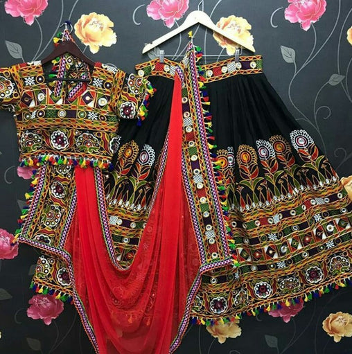 WOMEN STORE MULTI COLOR NAVRATRI SPECIAL LEHENGA CHOLI WS-2018