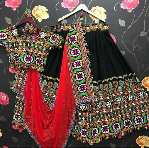 WOMEN STORE MULTI COLOR NAVRATRI SPECIAL LEHENGA CHOLI WS-2011