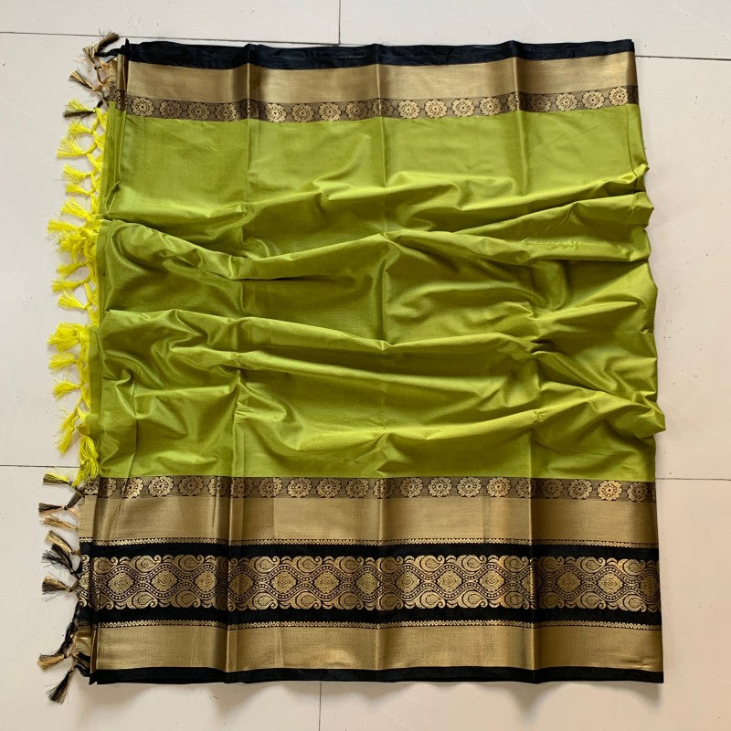 Fabulous Green and Gold Color Soft Silk Designer Saree ws-4018