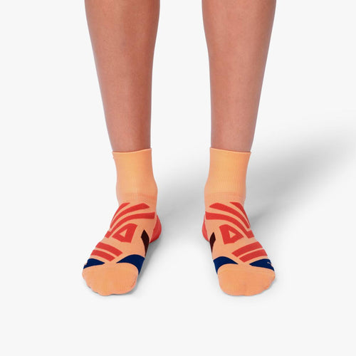 ON WOMENS MID SOCK CORAL | NAVY