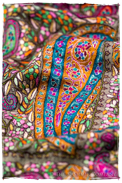 The Paisley Tapéstry - Grand Pashmina Shawl