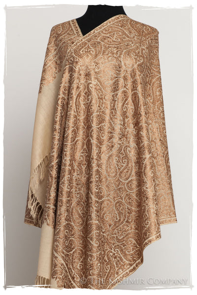The Célébration Fabuleuse Gold Paisley Shawl