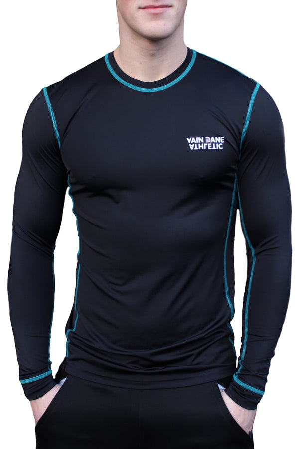 vain dane athletic long sleeved running shirt for men. Made with ECONYL yarn.