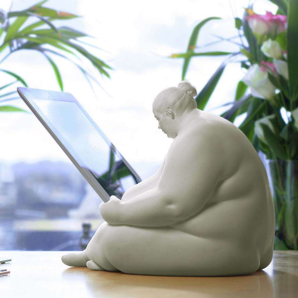 Venus of Cupertino - iPad Docking Station