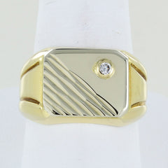 18KT YELLOW GOLD DIAMOND RING SIZE 10