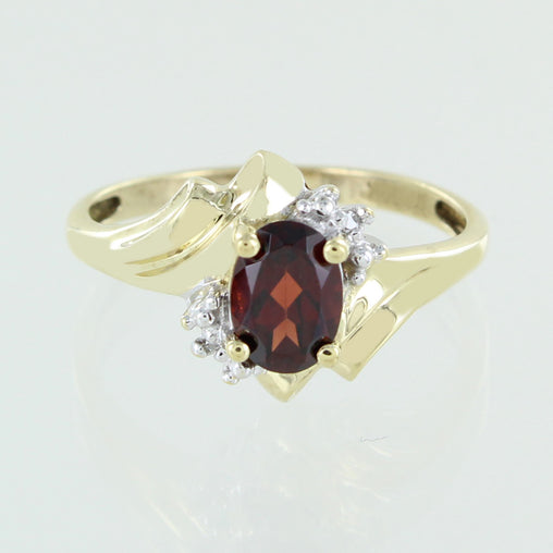 LADIES 10 KT COLORED STONE RING SIZE 7
