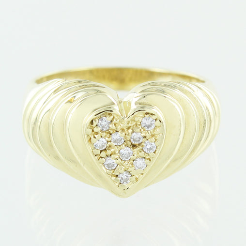 LADIES 14 KT  CLUSTER DIAMOND HEART RING SIZE 7