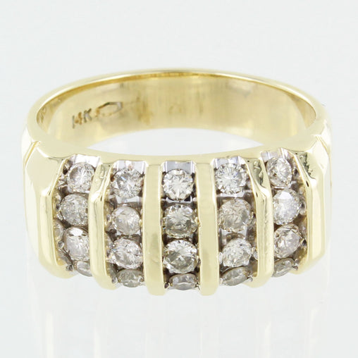 LADIES 14KT GOLD DIAMOND CLUSTER RING SIZE 10