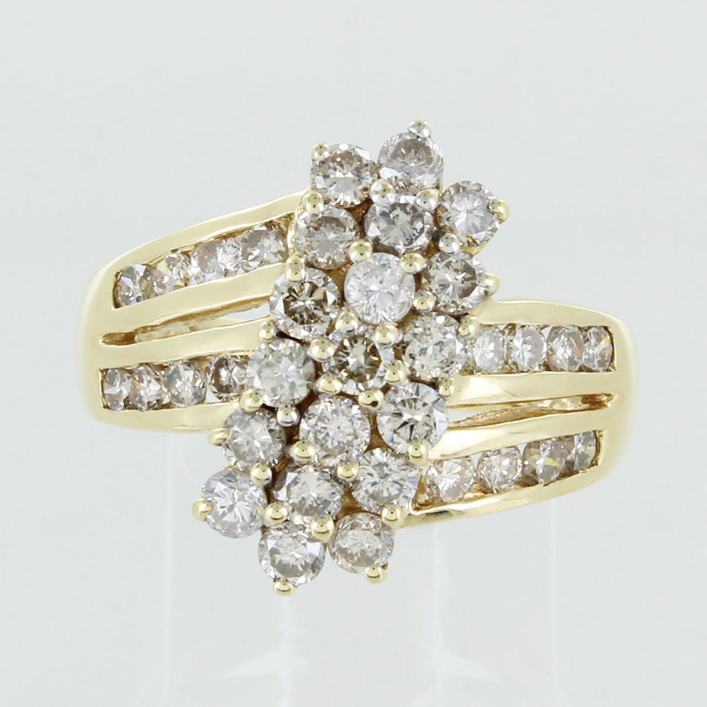 LADIES 14KT CLUSTER DIAMOND RING SIZE 7.5