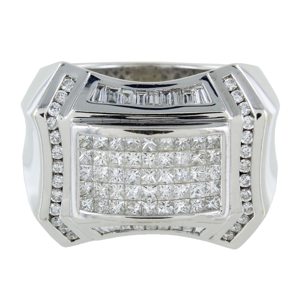 18 KT CLUSTER DIAMOND RING